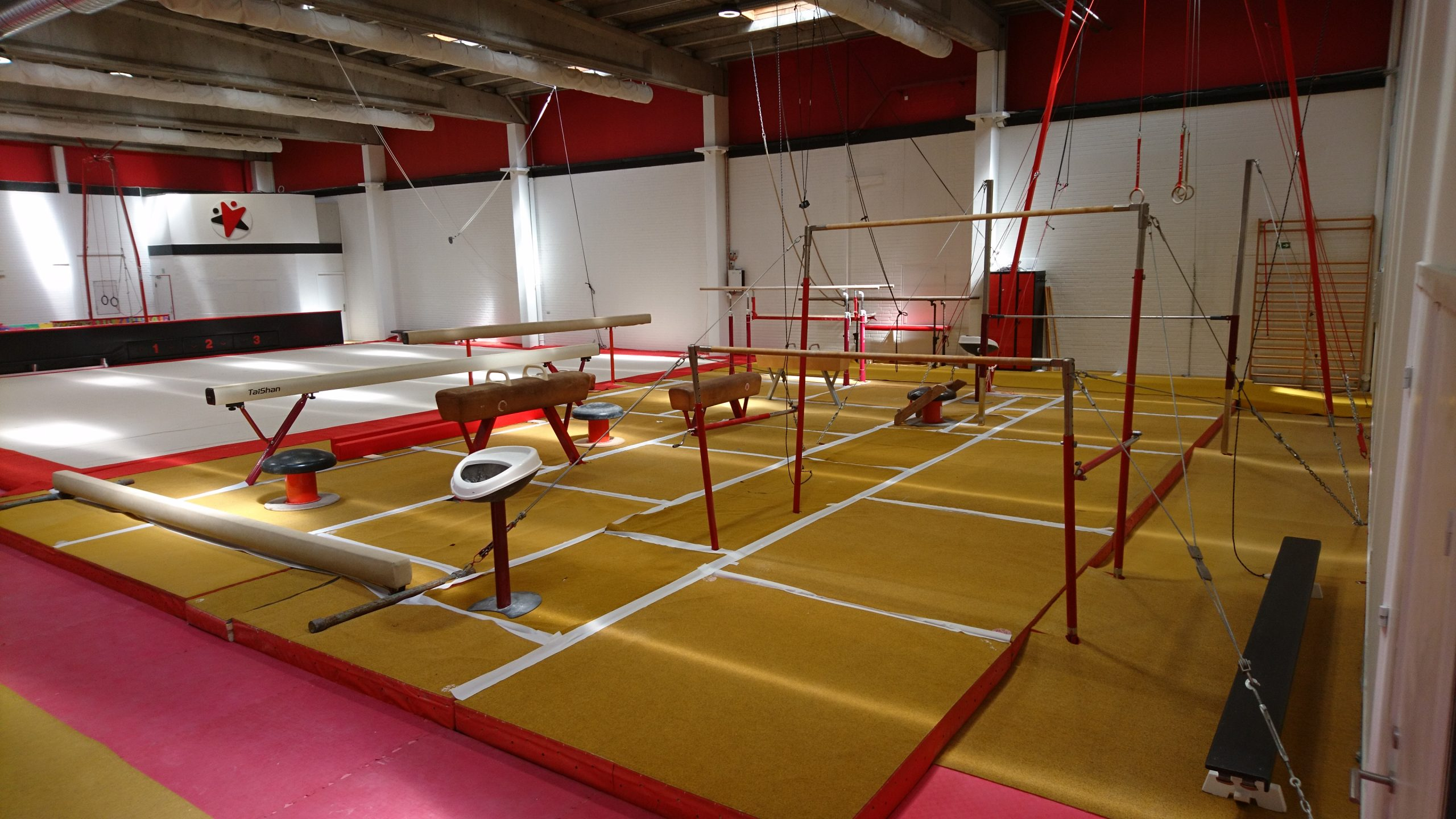Her kan børn og unge boltre sig: Ny stor sportshal åbner i Aalborg