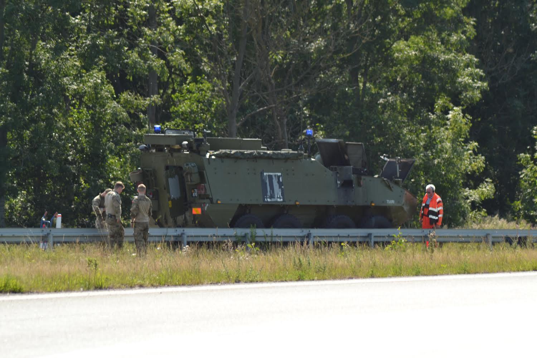Rykket ud til ildebrand: Ild i pansret køretøj på motorvejen ved Aalborg