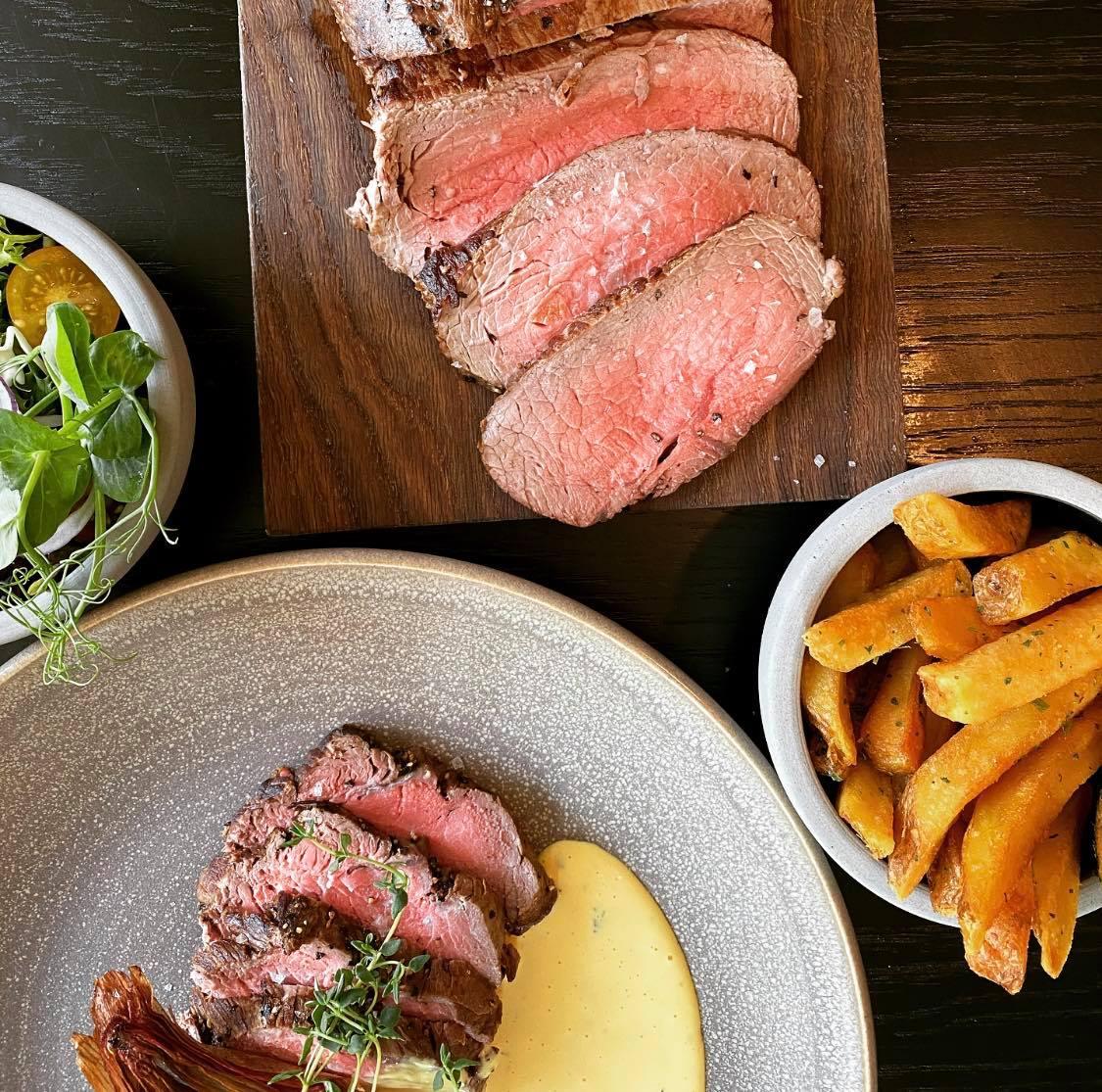 Café gentager stor succes: Få kød, fritter og bearnaise ad libitum