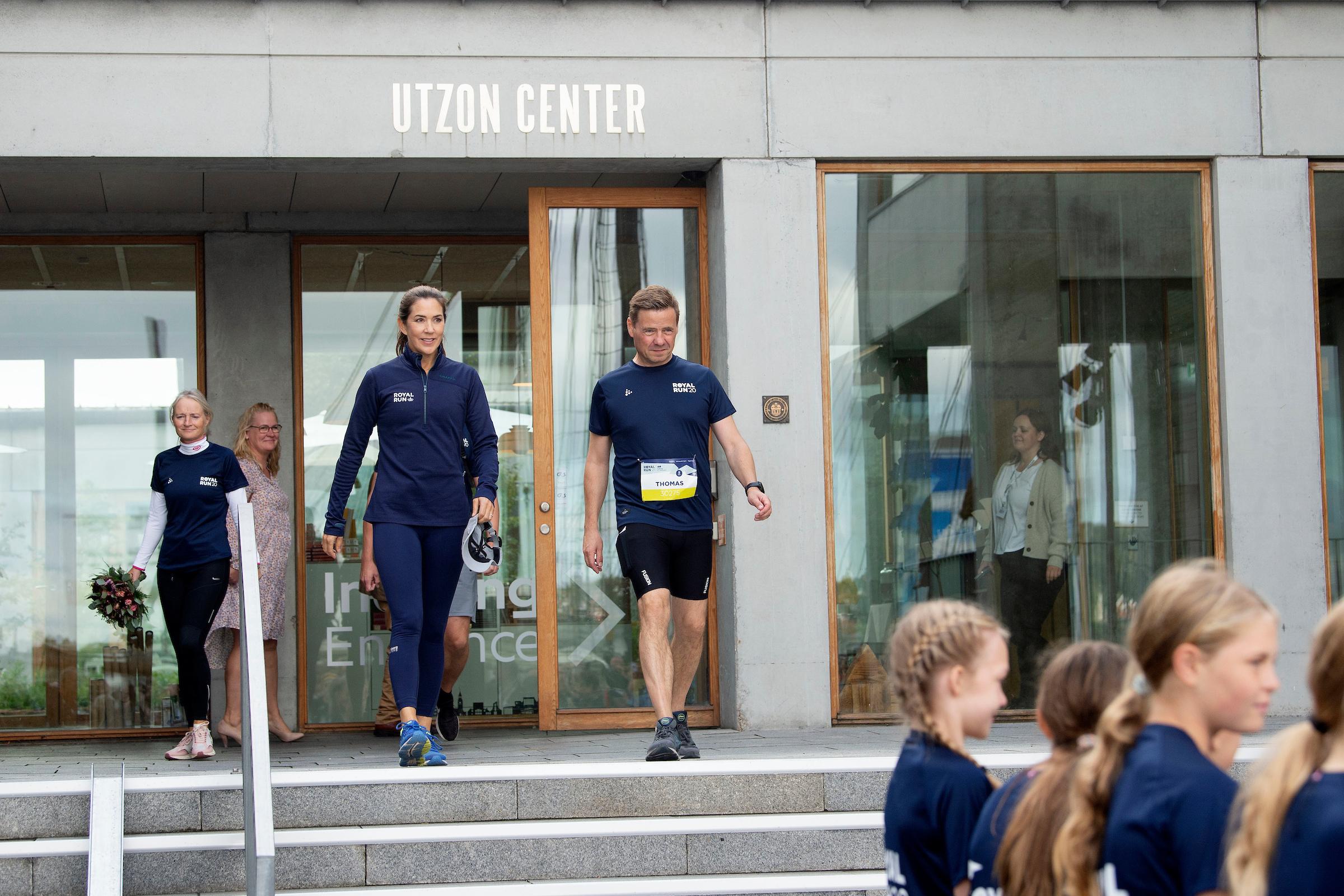 Se billederne: Kronprinsessen løber Royal Run i Aalborg