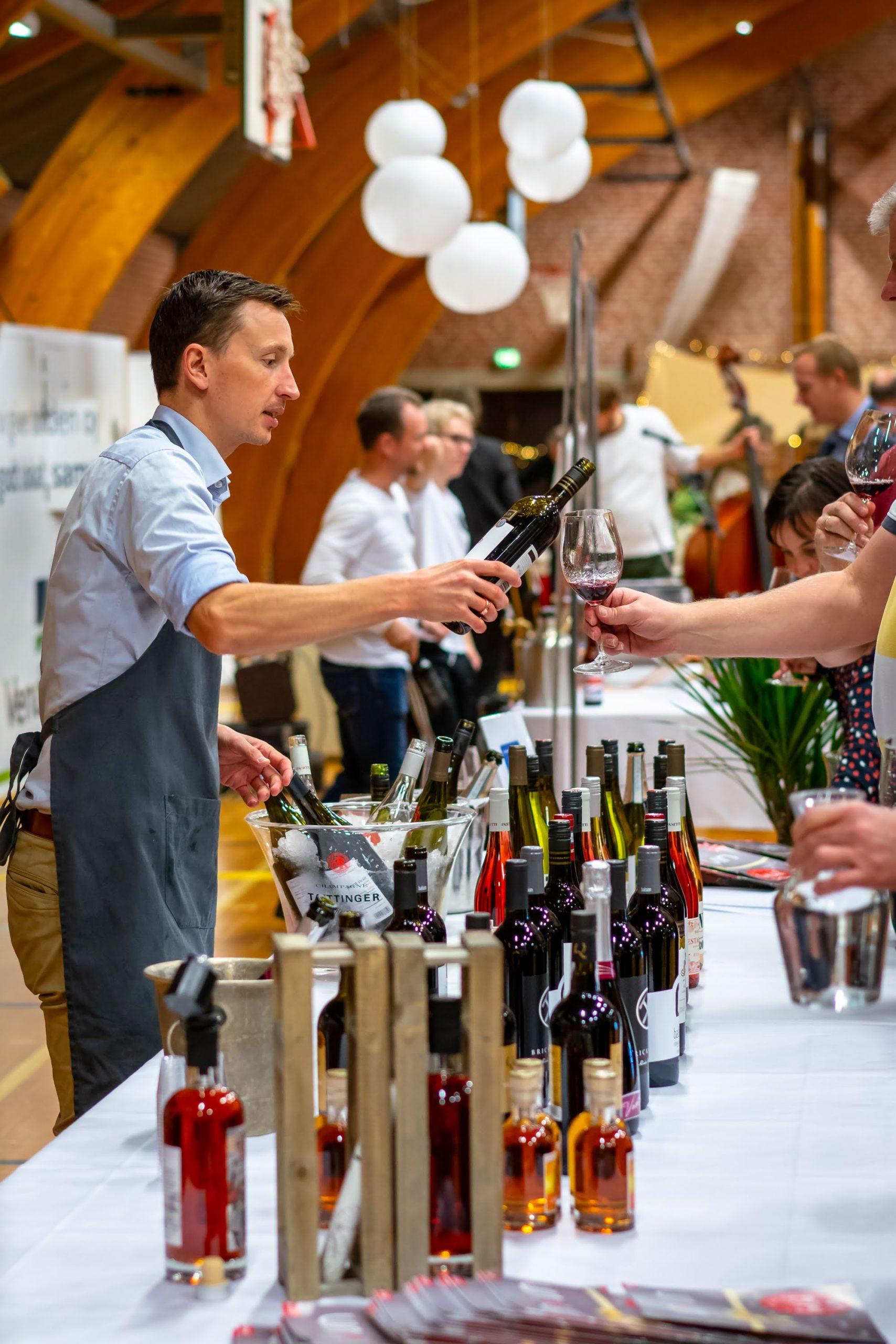 Vinsmagning og delikatesser: Kom til kæmpe Vinfestival i Aalborg