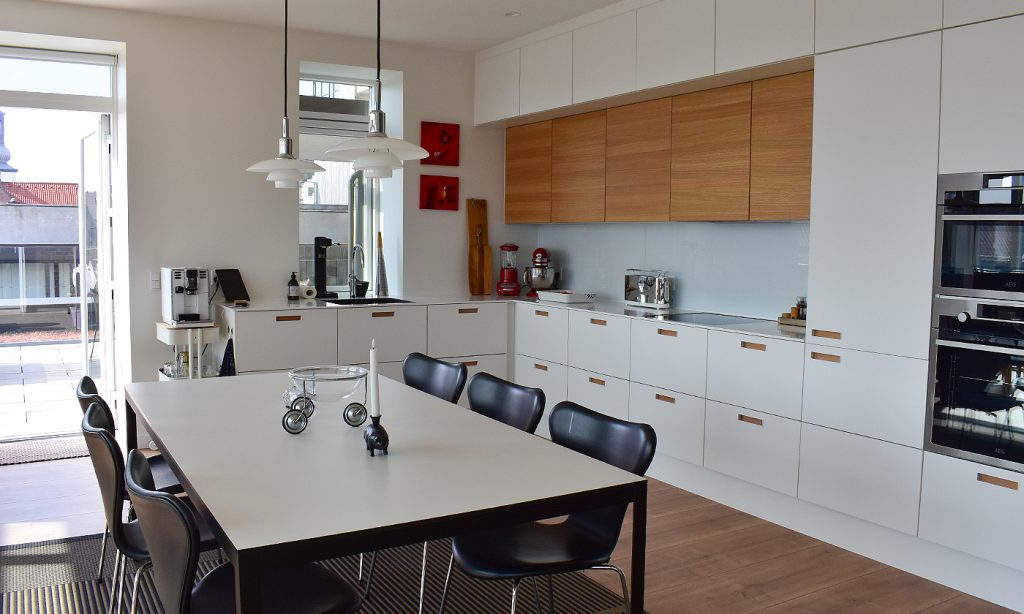 Stadig ledige lejligheder: Splinterny ejendom står færdig i Aalborg midtby