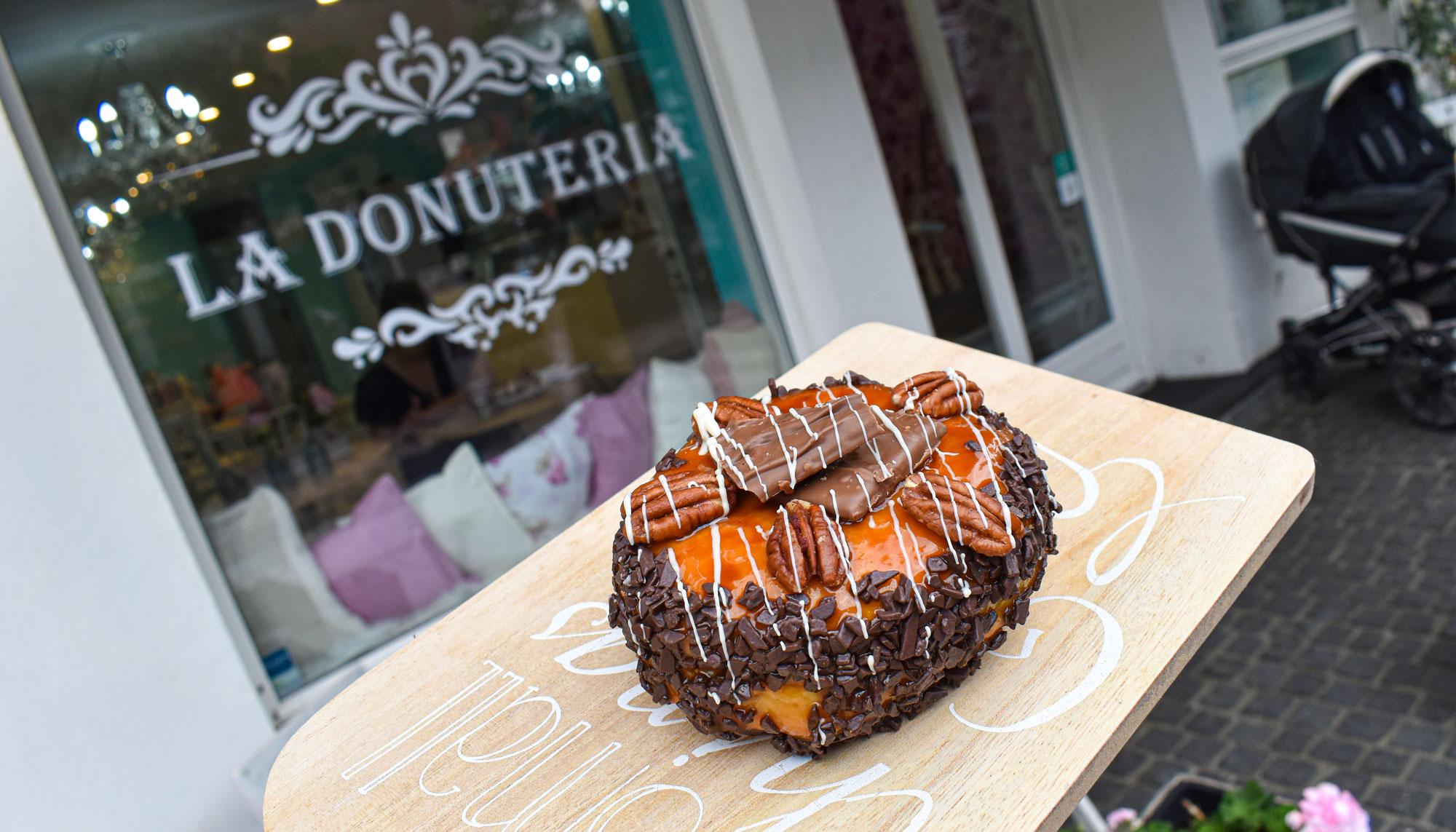 Saltet karamel og chokolade: Byd velkommen til MigogAalborg-donuten